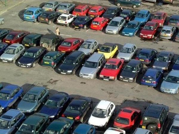 увеличивается количество автомобилей в Москве